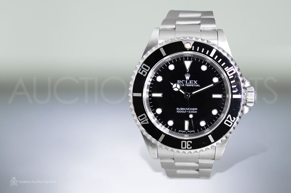 Men's Stainless Steel Rolex 'Submariner' Automatic Wristwatch sold for $5,600