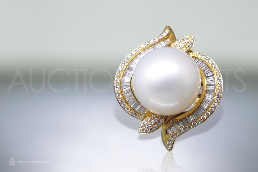 Lady's 18k Yellow Gold South Sea White Pearl (Apx. 14.5mm) and Diamond Ring sold for $5,500